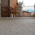 Pavimentazione in Giallo d'Istria bocciardato