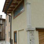 Colonna in Giallo d'Istria giandinata a mano