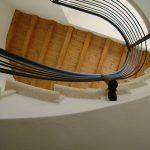 Scala in marmo Silva Oro - vista dal basso