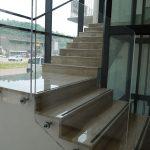 Scala in Breccia Sarda con finitura lucida - Vista d'insieme